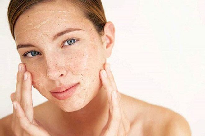 Tẩy tế bào chết 3 lần một tuần giúp làm đẹp da sau khi sinh