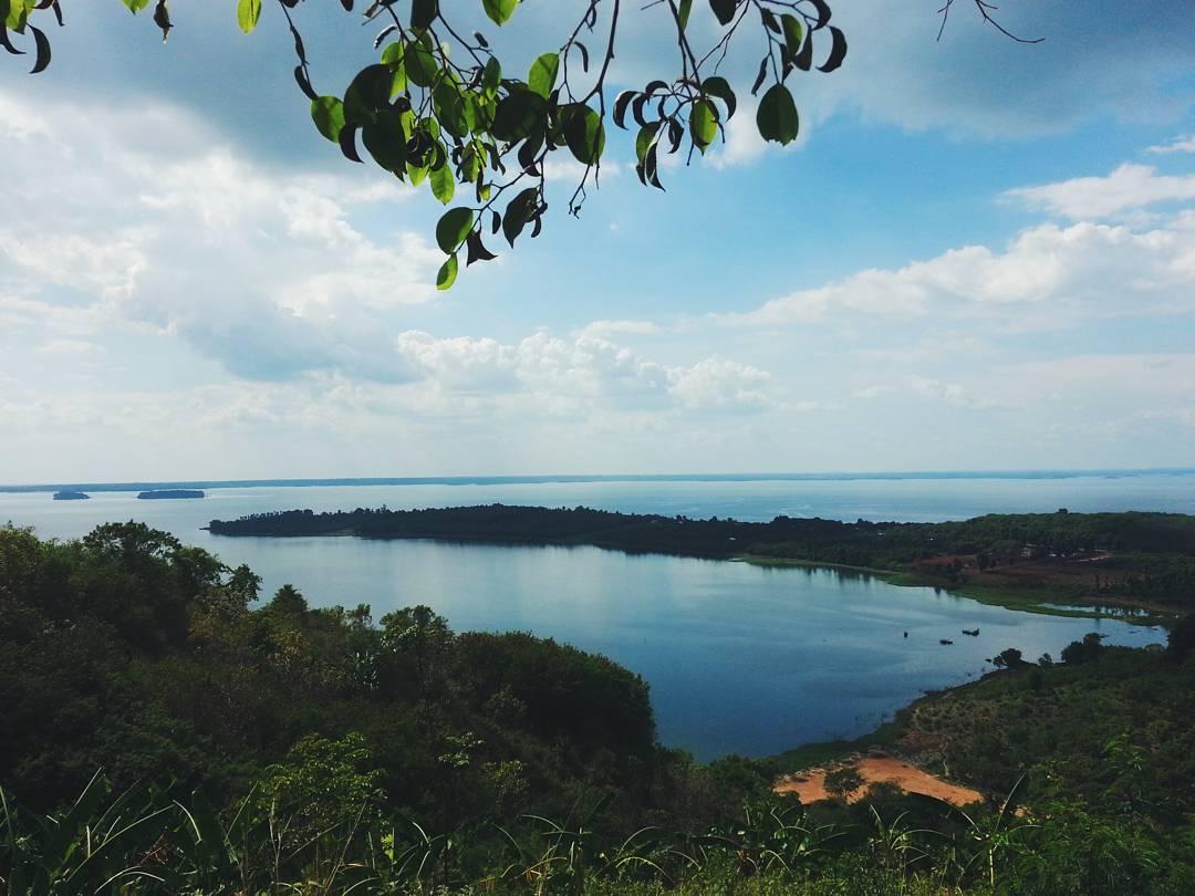 Đường đi đến hồ Trị An ở Đồng Nai