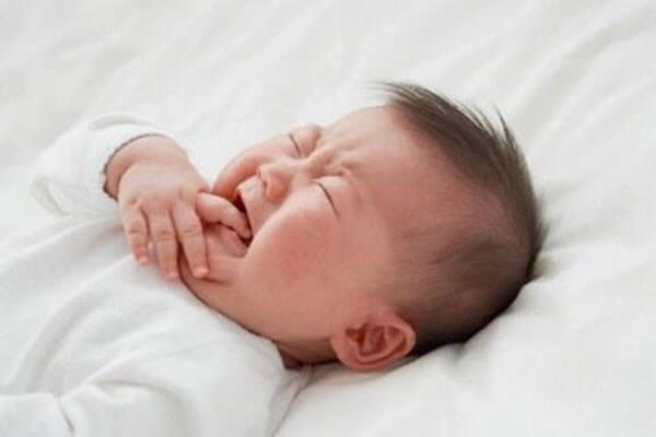 Cách cai sữa cho trẻ sau 6 tháng tuổi đúng cách