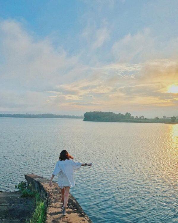 Cắm trại Hồ Trị An có gì chơi?