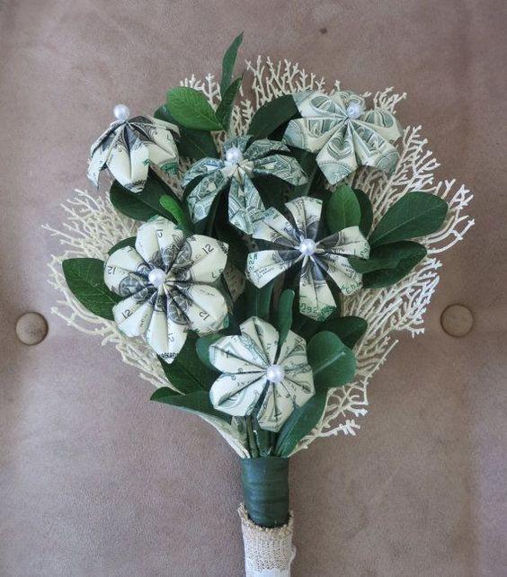 Ảnh hoa và tiền sinh nhật đặc biệt tặng người yêu