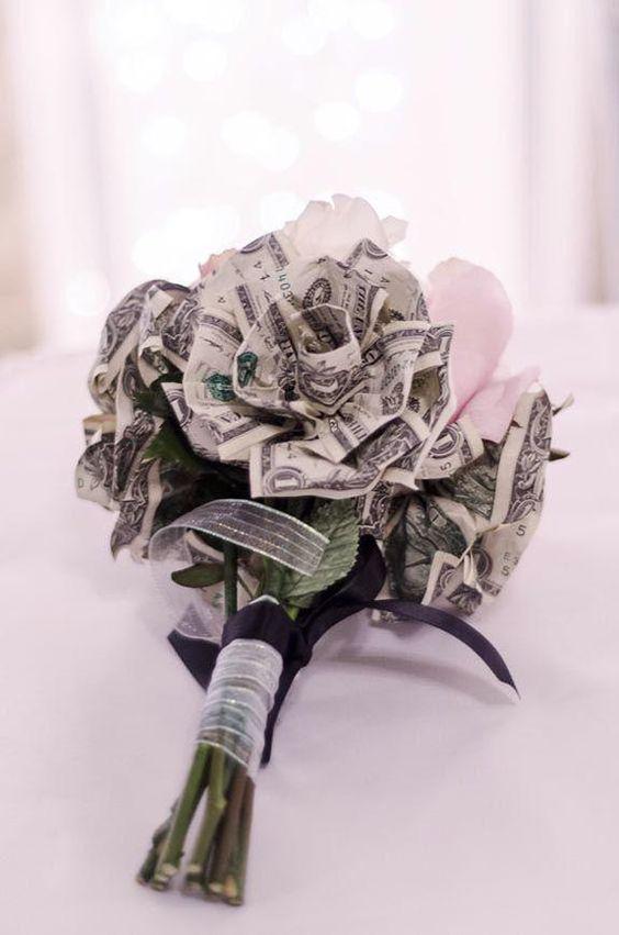 Hình quà sinh nhật bằng bó hoa tiền dễ thương