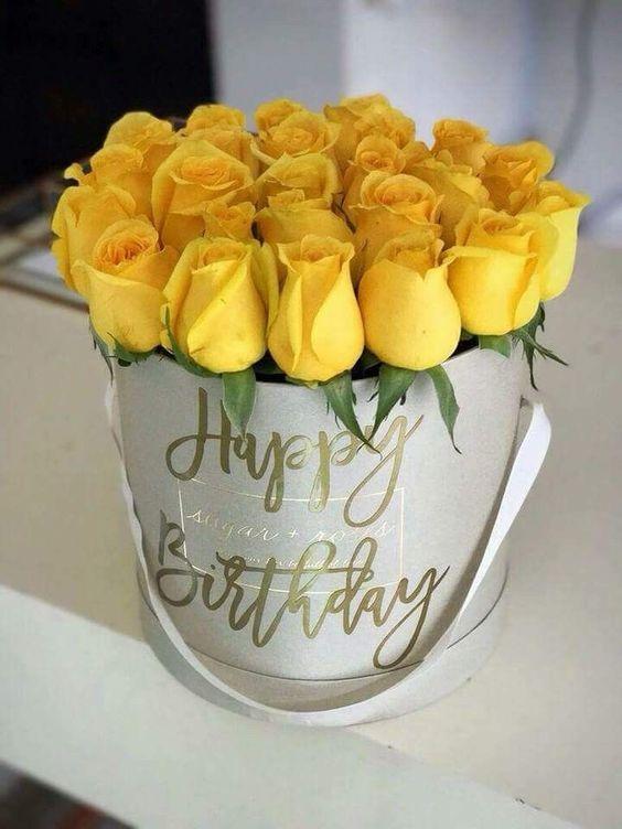 Ảnh sinh nhật đẹp với hoa dành tặng cho bạn bè