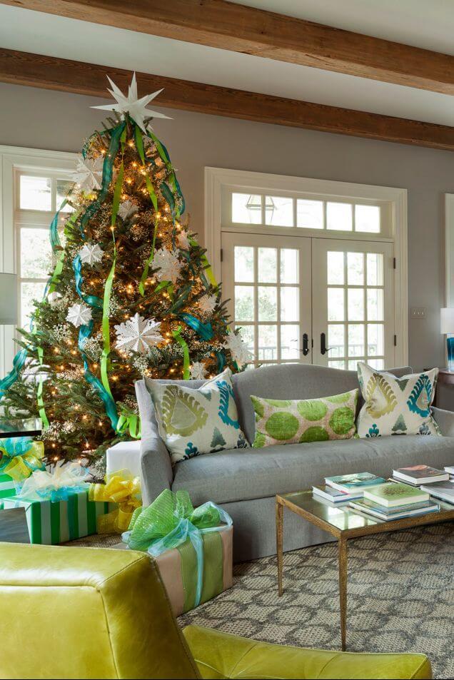 Hình ảnh cây thông noel đẹp nhất trong nhà bạn