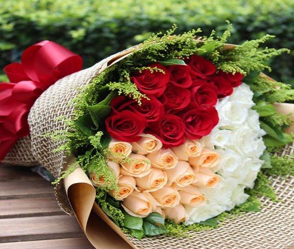 Hinh sinh nhat dep nhat voi bo hoa hong