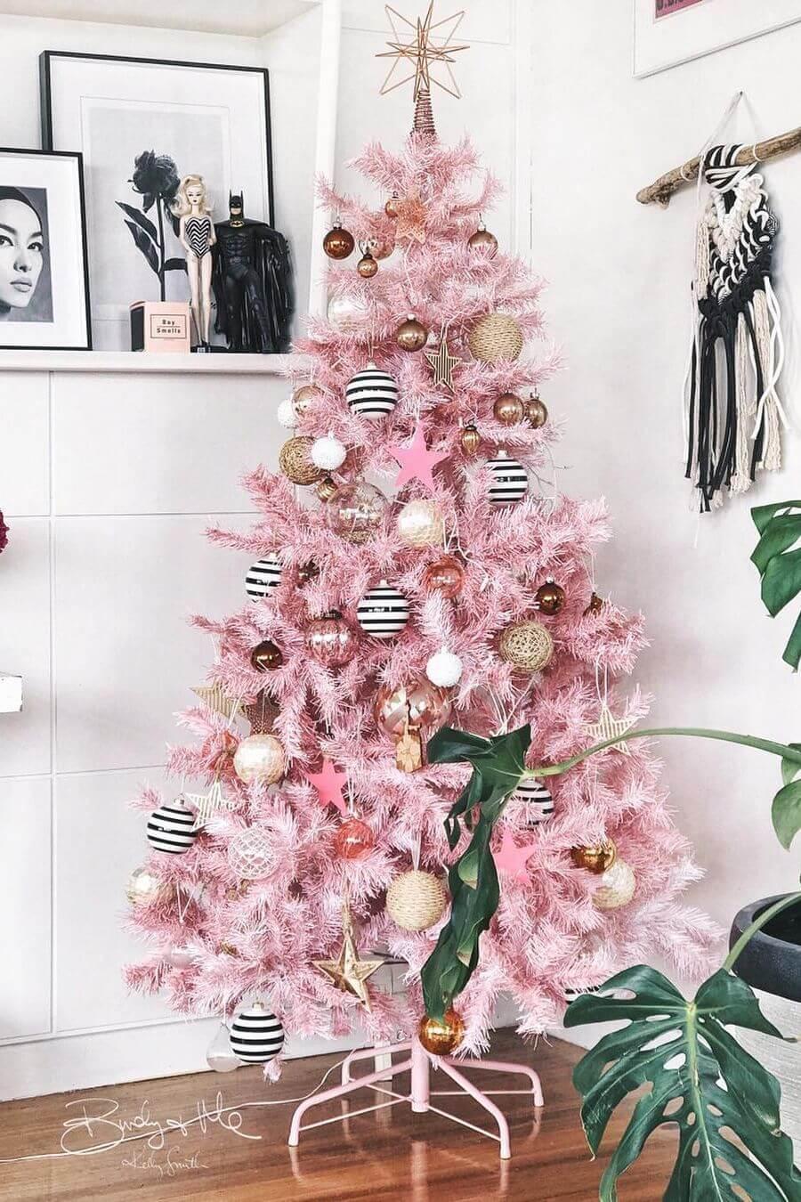 Trang trí cây thông noel màu hồng đẹp