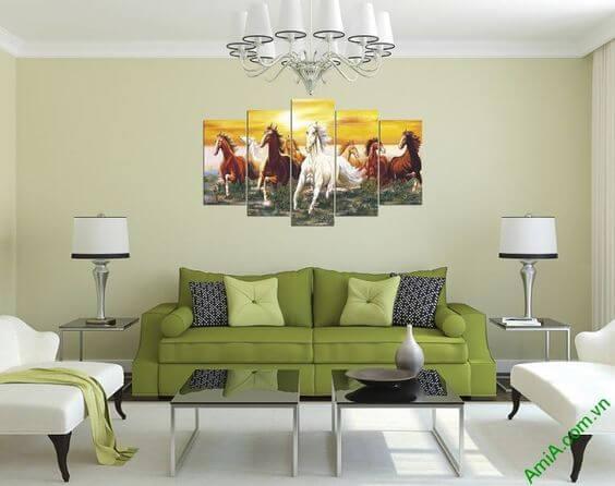 Trang trí nhà đón tết bằng cách sơn tường màu nổi bật và sử dụng tranh phong thủy