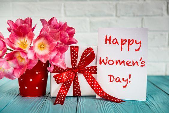 Thiệp và hoa tặng mẹ ngày Quốc Tế Phụ Nữ 8-3
