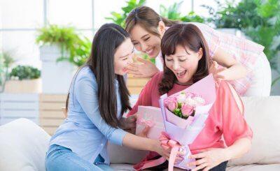 Top 8 quà tặng 8/3 cho mẹ ý nghĩa bạn mà cần phải xem