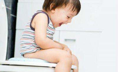 3 mẹo dân gian trị táo bón cho trẻ siêu đơn giản, cực an toàn