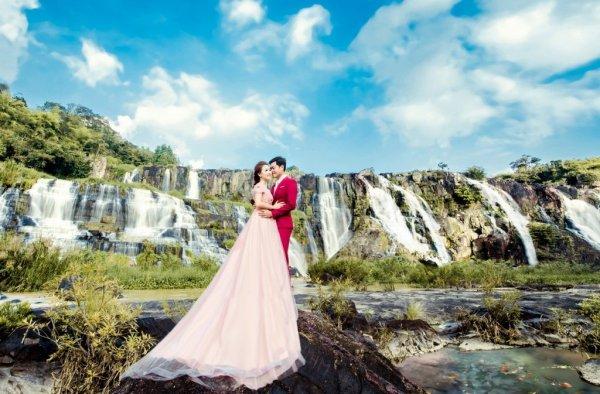 Chụp ảnh cưới tại Khu du lịch Suối Mơ