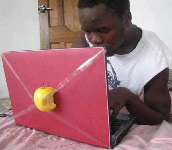 Hình ảnh chiếc MarkBook ngộ nghĩnh hài hước