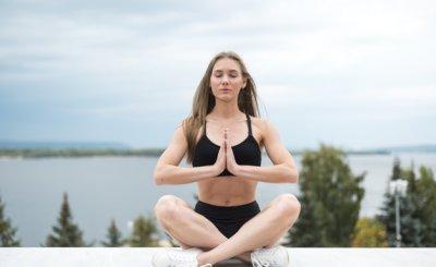 [Phụ nữ cần biết] Có nên tập yoga trong thời kỳ kinh nguyệt không?