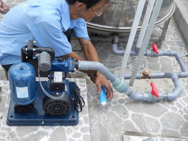 Thợ sửa chữa ống nước chuyên nghiệp