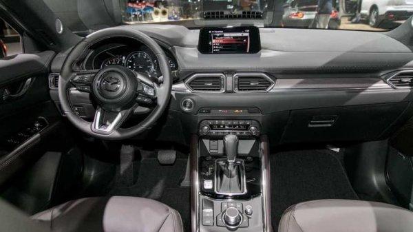 Vô lăng Mazda CX-5 được sử lý sang trọng