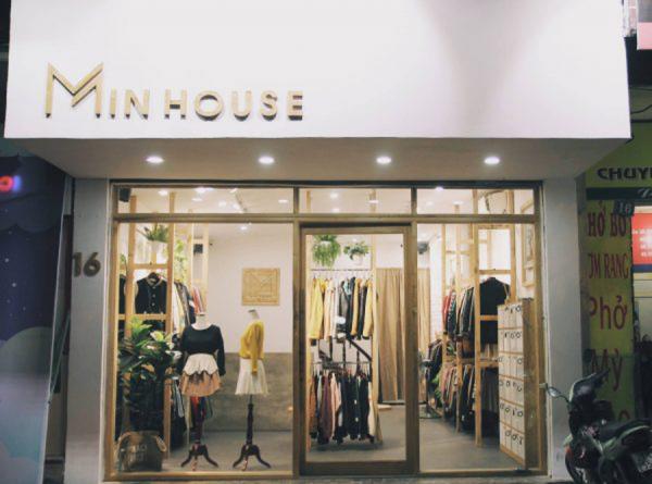 Ngoài giao buôn kiện hàng, các chủ shop cũng có thể đến Min House và nhặt từng chiếc