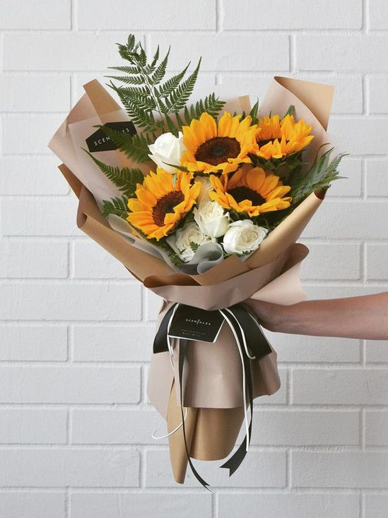 Sử dụng giấy Nhật để gói hoa cũng là một ý tưởng vô cùng tuyệt vời đó