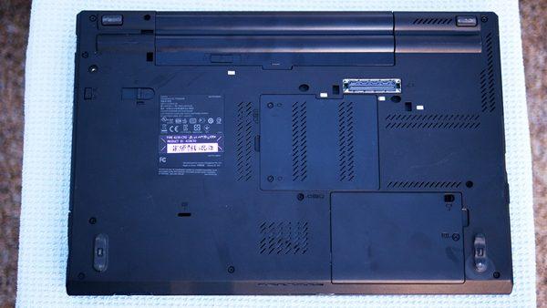 Bước 2 thay ổ cứng laptop