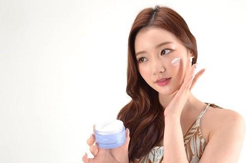 Hướng dẫn cách thoa kem dưỡng trắng da mặt và toàn thân hiệu quả nhất