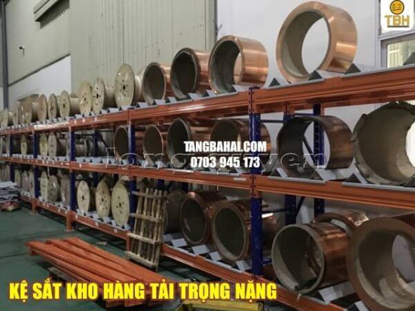 Kệ sắt kho hàng tải trọng nặng