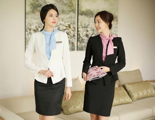 Đồng phục lịch sự cho lễ tân khách sạn