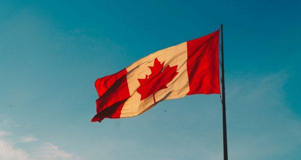 Chuẩn bị đầy đủ các giấy tờ để đến Canada