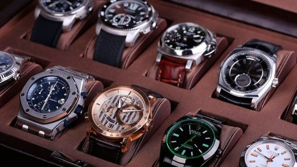 Đồng hồ quà tặng sang trọng
