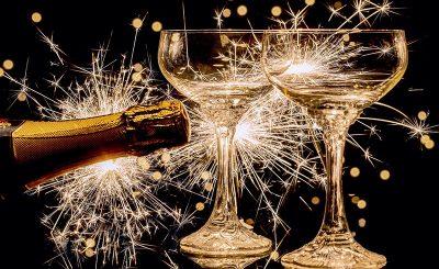 Cách Mở Rượu Champagne Và Rượu Vang Nổ
