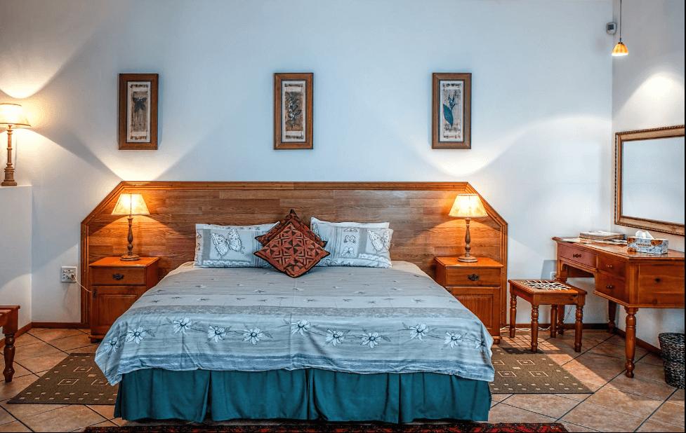 Đèn ngủ đầu giường nổi bật cho căn phòng