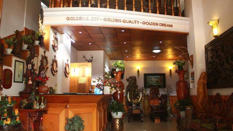 Khách sạn Gold Night Hotel