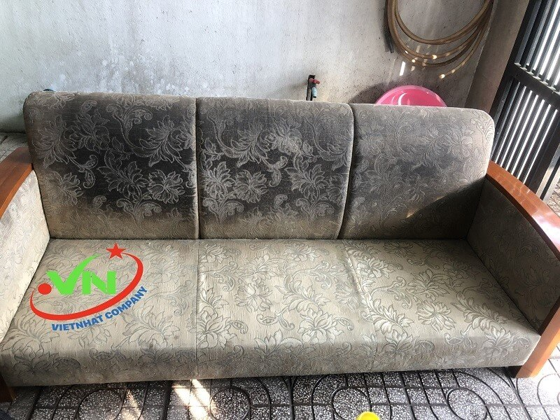Chúng tôi giặt ghế sofa da, vải tại nhà uy tín