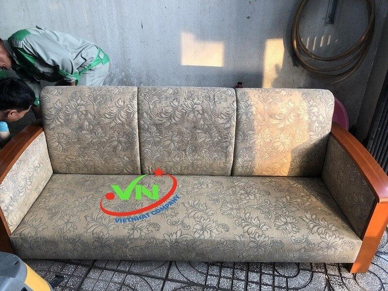 Thường xuyên giặt ghế sofa tại nhà để gia tăng tuổi thọ cho ghế