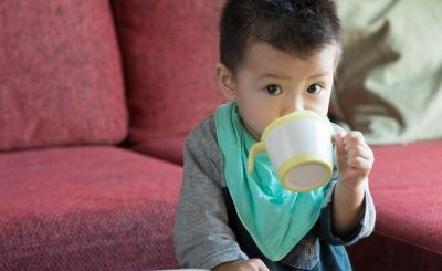 [BÍ KÍP] Tập uống đúng cách cho bé theo kiểu của mẹ Nhật với Cốc Tập Uống Ba Giai Đoạn Richell
