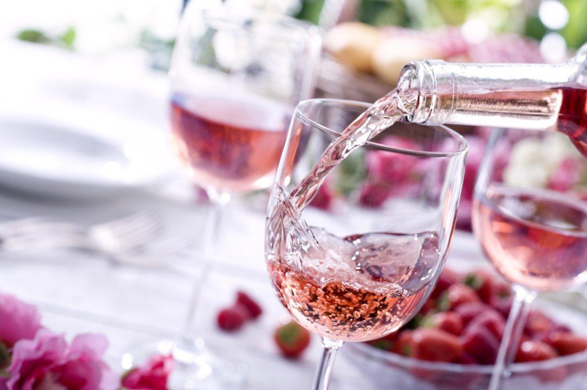 Khái quát rượu vang hồng